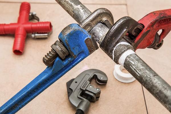 Réussissez vos finitions de travaux en bois avec une raboteuse dégauchisseuse