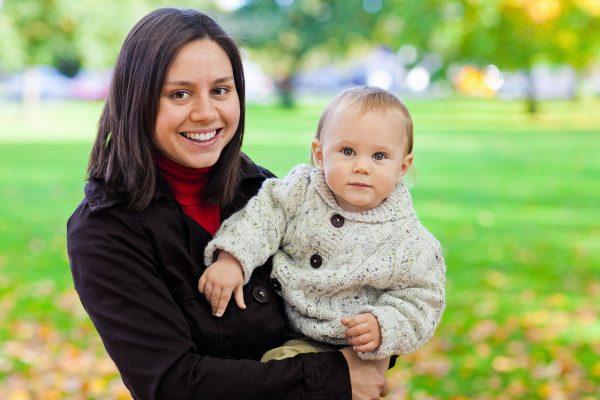Tout savoir sur l'alimentation de bébé de sa naissance jusqu'à ses 12e mois